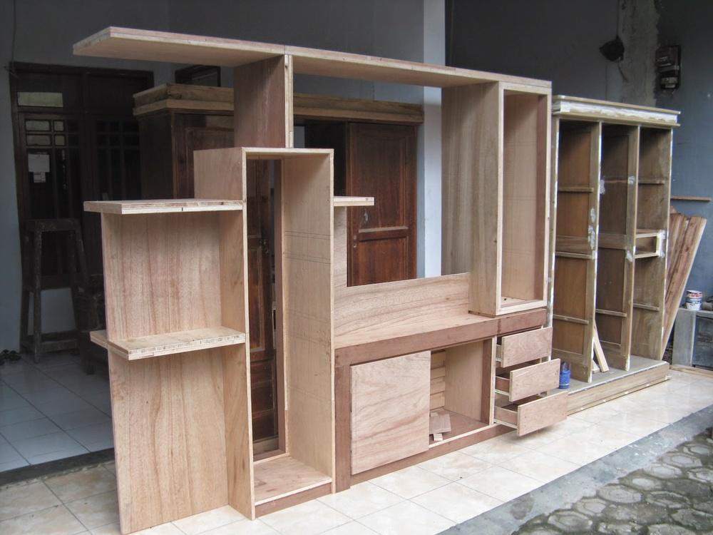 Jasa Pembuatan Lemari Kayu Madura