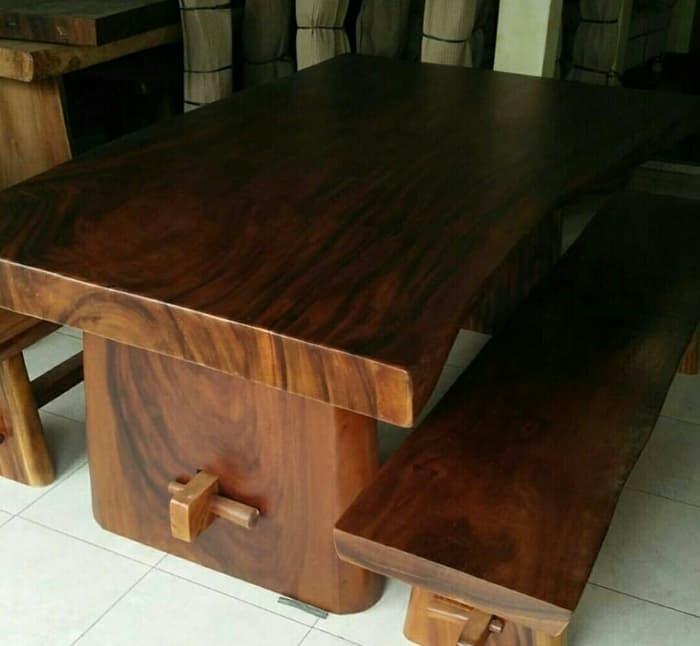 Jasa Pembuatan Meja Kayu Malang
